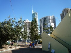 一番背の高い80階建てのQ1 Resort & Spa