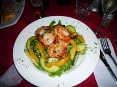 海老とマンゴーとアボカドのサラダ A$22.90