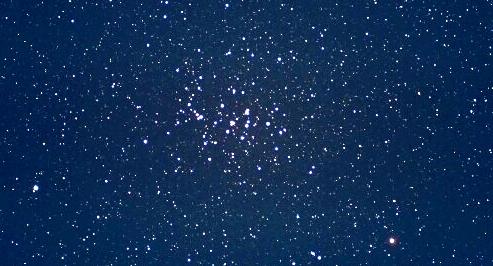 かに座の中心部にあるM44プレセペ星団