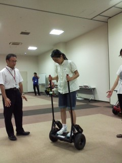 立って乗るロボット