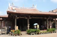 龍山寺正殿