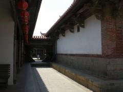 鹿港龍山寺正殿にある八卦門