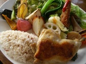 菜園プレート・骨つき若鶏のコンフィ