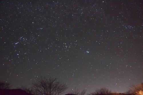 未明にはすばるは西空へ、オリオンの三ツ星も横一列になります