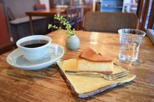マンデリン540円とベイクドチーズケーキ430円