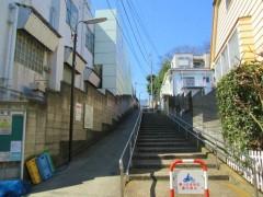 旧居後へ向かう階段