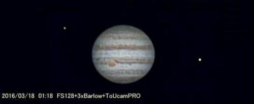 天体望遠鏡を使って見る木星の姿は表面に縞模様が見られます。撮影 浦辺守氏