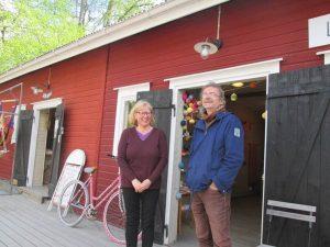 エリヤ・フィヴィラと隣の雑貨屋のオーナー