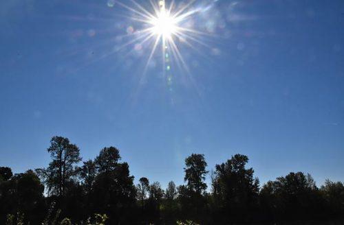 コーバリスでの太陽と青空