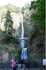 オレゴン州にある189mの落差を誇るマルトノマの滝
