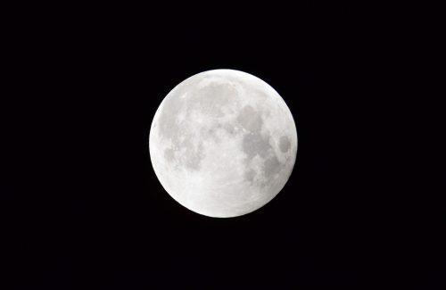 満月の輝き