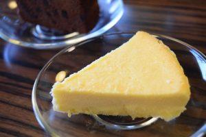 セットのチーズケーキ